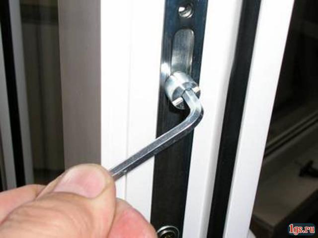 Регулировка двери своими руками
